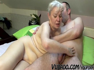 aged pair fuck hard on couch