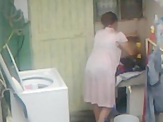 spying aunty butt washing ... large arse