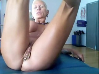bysty milf heather with 511 piercing rings in her
