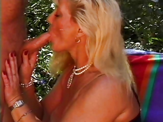 mature queen lynn screwed poolside