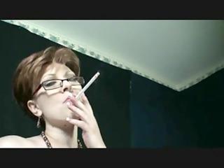 smoking fetish - mama smoking and dancing