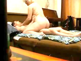 curvy d like to fuck fucked by younger guy on