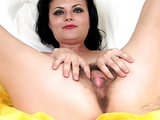 older hairy vivienne squirts on the sofa