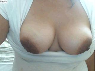 latin babe de ricos senos y grandes pezones