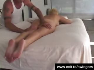 mamma tracy acquires massage with rug munch end