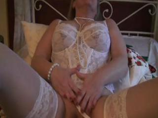 blond older solo play