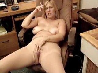 sexy chubby milf smokin 9