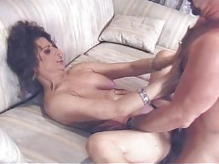aged brunnette receives fucked