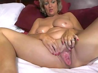 outstanding big tited mommy masturbates