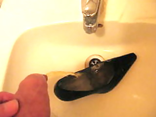 peeing in wifes high heel shoe