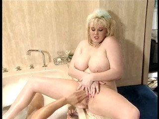kirsten halborg screwed in the bath