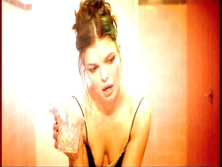 jessica alba &; jeanne tripplehorn paranoid