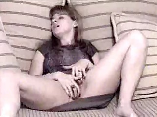 vintage non-professional wife rubs one out !