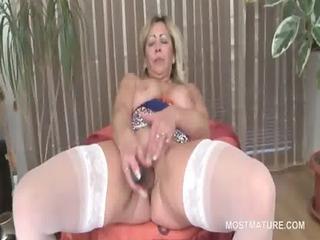 older blondie masturbates with vibrator