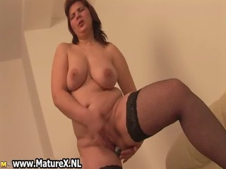 busty lewd mamma receives her vagina