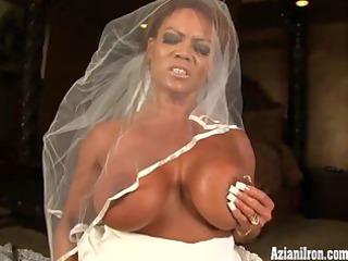 aziani iron bodybuilder in wedding costume ride