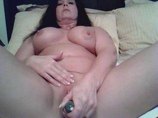 d like to fuck masturbates on webcam