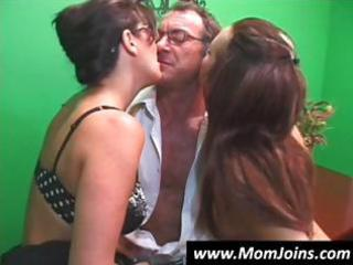 randy spears dips his dong inside a mommy with