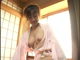 great tug-job from oriental mom