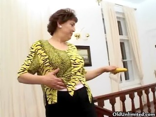 thick older housewife t live without to finger