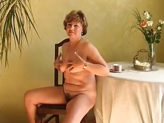 granny alone r108