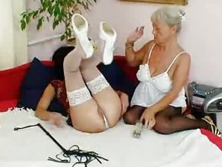 shaggy granny licks sexy mother i in lesbian